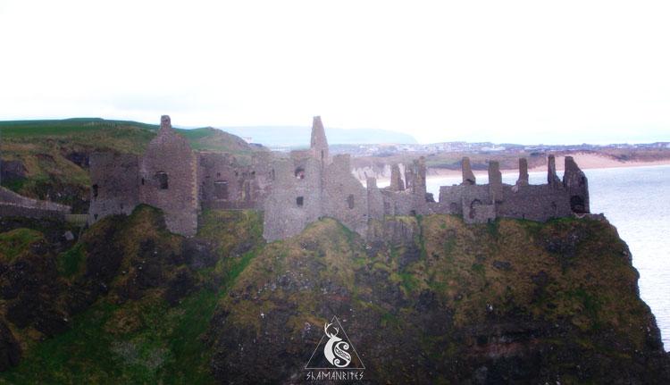 Castillo Dunluce en la Calzada del Gigante