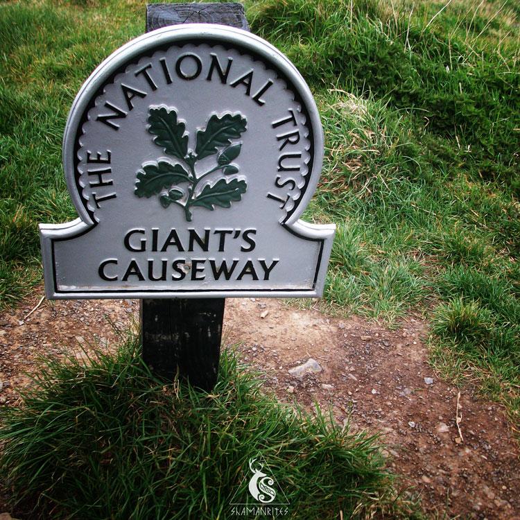 La Calzada del Gigante, cartel de The National Trust