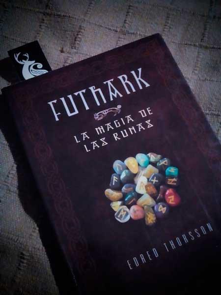 Futhark, libro de Edred Thorsson